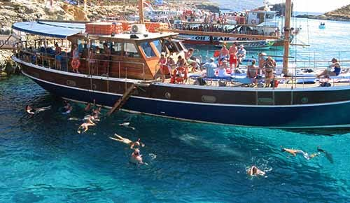 Fernandes cruise to Blue Lagoon Comino